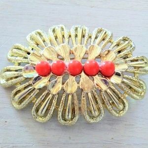 VTG Sarah Coventry Brooch w/faux Coral